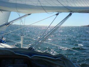 Segling nära havet